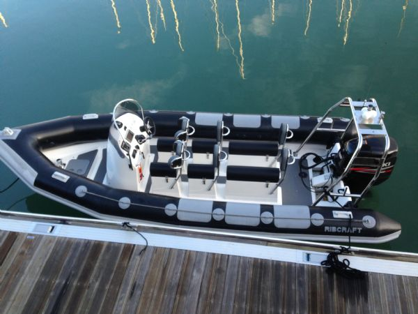 Click image for larger version  Name:ribcraft%206.8%20rib%20with%20suzuki%20200%20-%20from%20above_l.jpg Views:271 Size:45.9 KB ID:101766