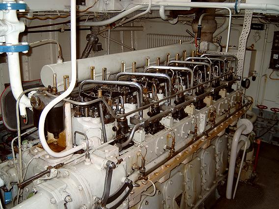 Click image for larger version  Name:engine room 1.JPG Views:229 Size:69.5 KB ID:10277