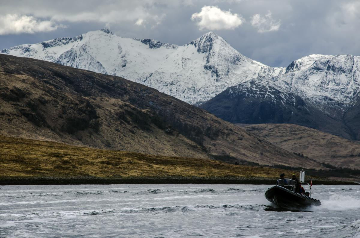 Click image for larger version  Name:Heading North on Loch Etive.jpg Views:101 Size:153.6 KB ID:105140