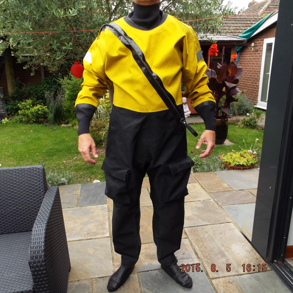 Click image for larger version  Name:dry suit 074.jpg Views:226 Size:235.2 KB ID:107617