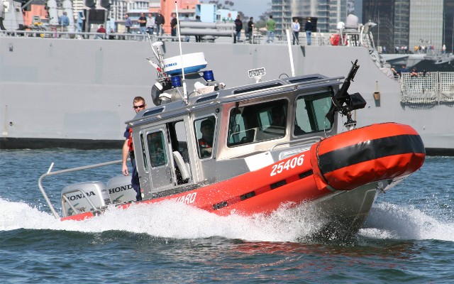Click image for larger version  Name:safeboat.jpg Views:173 Size:101.4 KB ID:10928
