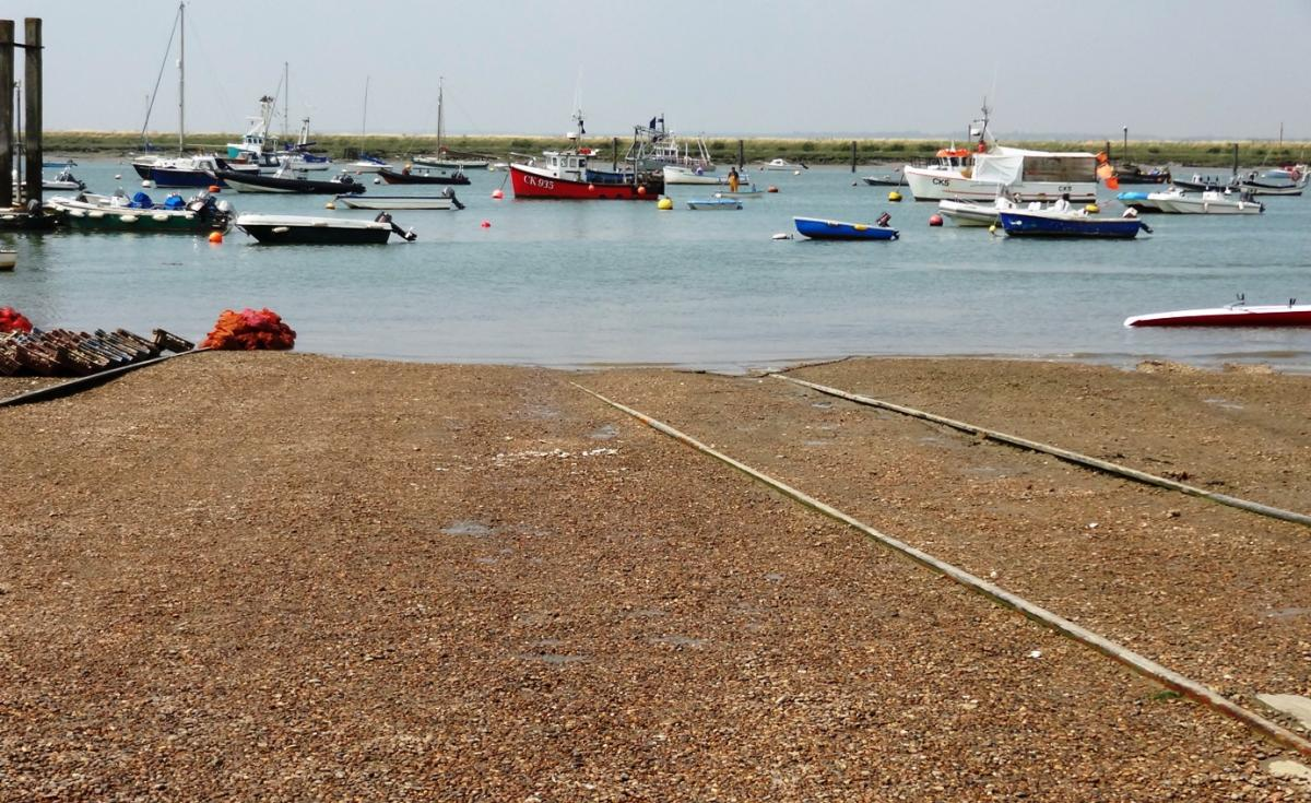 Click image for larger version  Name:Mersea slipway.jpg Views:85 Size:185.8 KB ID:110127