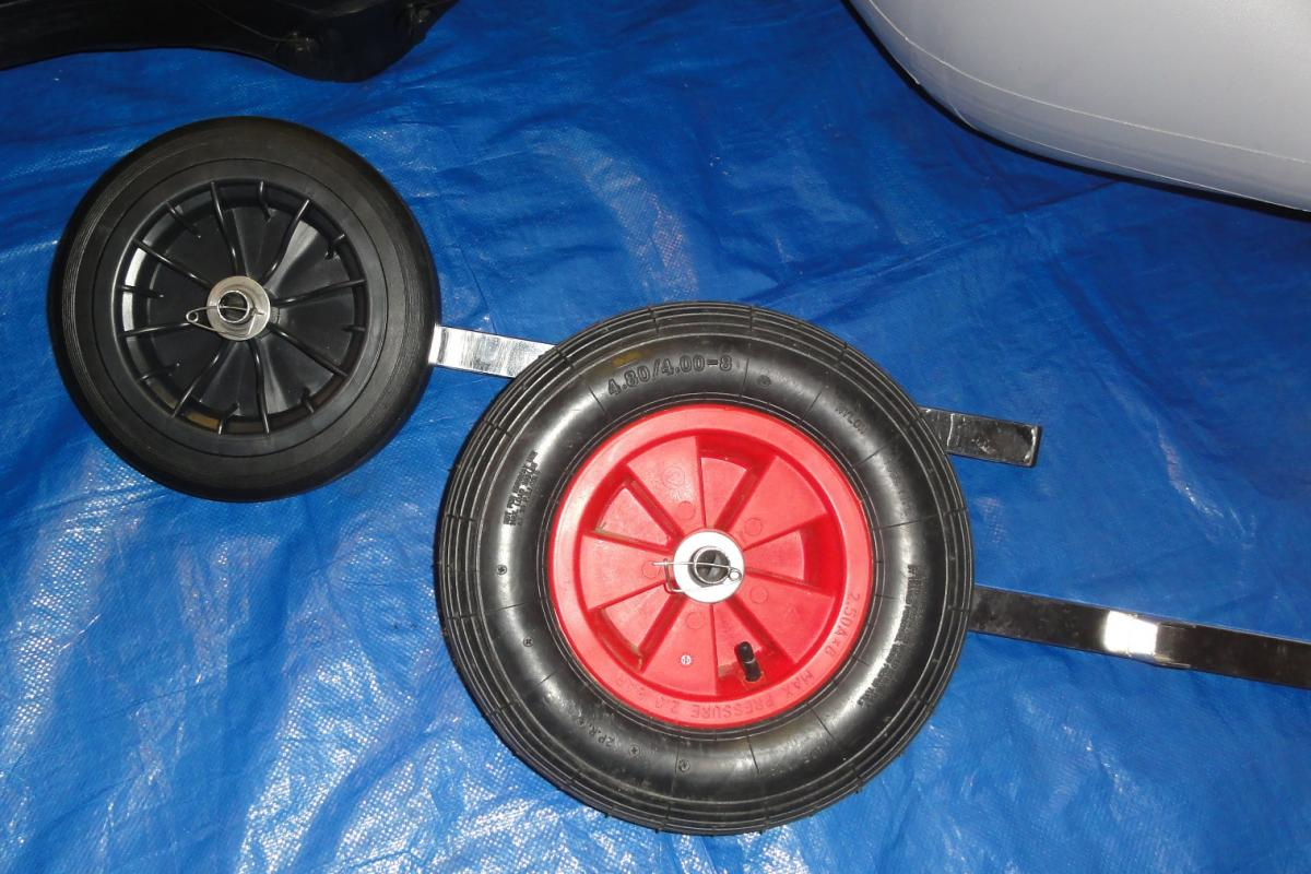 Click image for larger version  Name:Transom wheels compared.jpg Views:61 Size:135.7 KB ID:113903