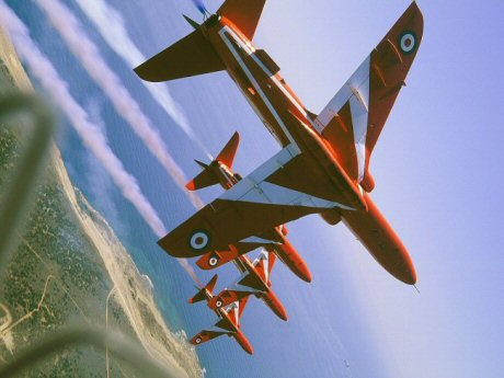 Click image for larger version  Name:RED ARROWS 1.jpg Views:156 Size:32.5 KB ID:12716