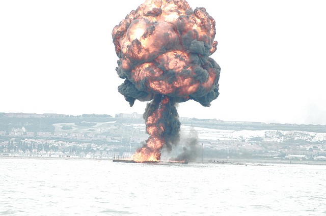 Click image for larger version  Name:tn_Explosion 1b.jpg Views:129 Size:53.6 KB ID:13111