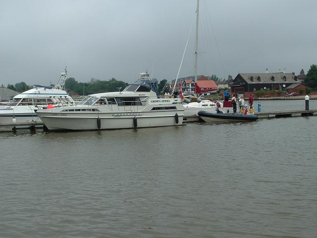 Click image for larger version  Name:2005_0710broads0003.JPG Views:127 Size:50.1 KB ID:13357
