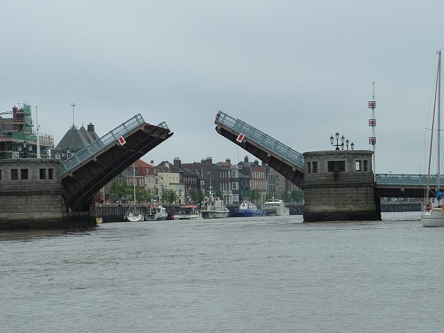 Click image for larger version  Name:bridgesml.JPG Views:113 Size:52.2 KB ID:13358