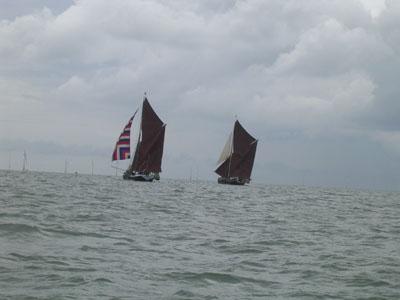 Click image for larger version  Name:Thames Barge 1.jpg Views:99 Size:34.3 KB ID:13652