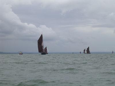 Click image for larger version  Name:Thames Barge 2.jpg Views:109 Size:29.6 KB ID:13653