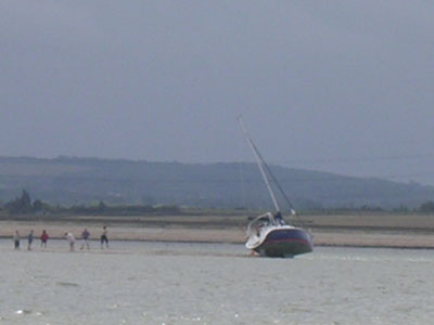 Click image for larger version  Name:Yacht aground.jpg Views:136 Size:27.4 KB ID:13654