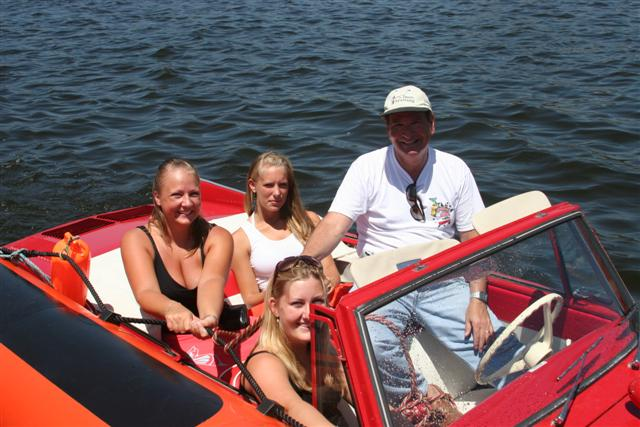 Click image for larger version  Name:amphicar 034 (Small).jpg Views:166 Size:66.3 KB ID:13881