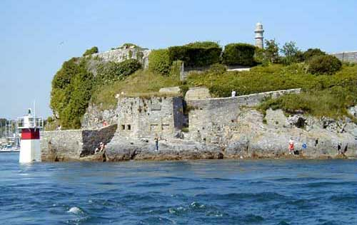 Click image for larger version  Name:the fort.jpg Views:234 Size:25.0 KB ID:1389