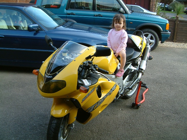 Click image for larger version  Name:keirabike.JPG Views:79 Size:164.6 KB ID:15141