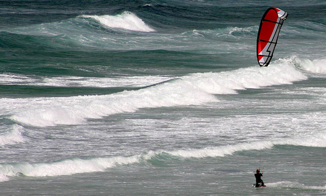 Click image for larger version  Name:kite-surf-red.jpg Views:125 Size:140.2 KB ID:15156