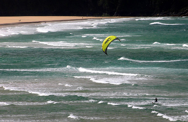 Click image for larger version  Name:kite-surf-yellow.jpg Views:106 Size:152.0 KB ID:15157