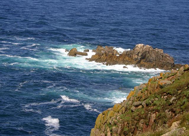 Click image for larger version  Name:lands-end-rocks.jpg Views:99 Size:188.2 KB ID:15158