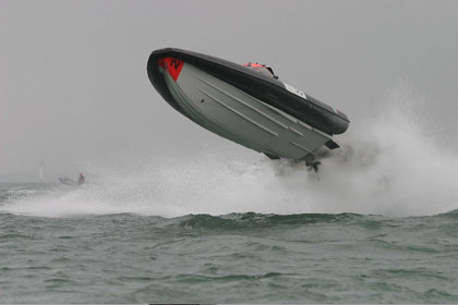 Click image for larger version  Name:cowes1s.jpg Views:426 Size:30.8 KB ID:15382