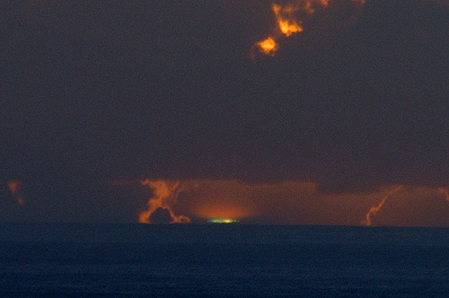 Click image for larger version  Name:green flash.jpg Views:159 Size:72.4 KB ID:15810