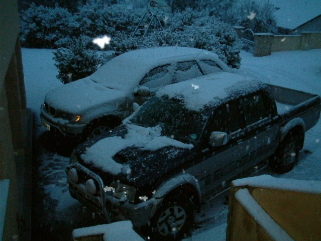 Click image for larger version  Name:cars in snow 003.jpg Views:103 Size:177.8 KB ID:16032