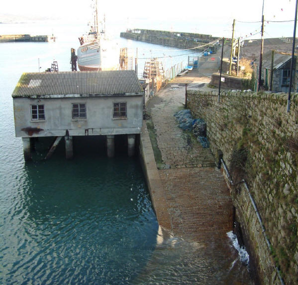 Click image for larger version  Name:newlyn.jpg Views:120 Size:72.3 KB ID:16200