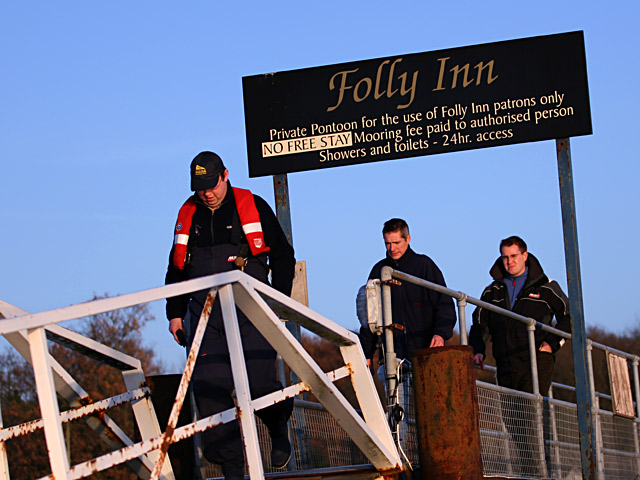 Click image for larger version  Name:folly-gangway.jpg Views:122 Size:98.4 KB ID:16347