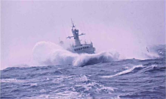 Click image for larger version  Name:Odinn - rough sea 3 (Small).jpg Views:125 Size:27.8 KB ID:16456