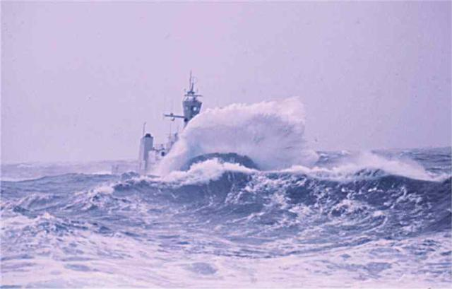 Click image for larger version  Name:Odinn - rough sea 2 (Small).jpg Views:129 Size:28.3 KB ID:16457