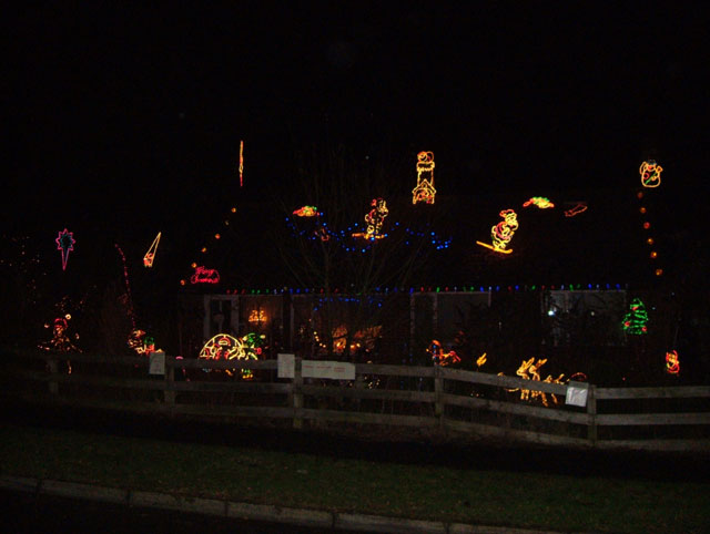 Click image for larger version  Name:Xmas-House-Web.jpg Views:192 Size:42.3 KB ID:16490