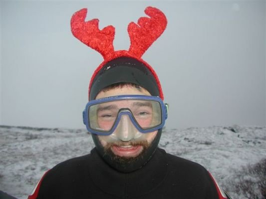Click image for larger version  Name:Ice diving.jpg Views:124 Size:23.4 KB ID:16491