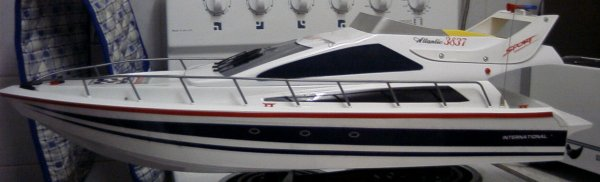 Click image for larger version  Name:speedboat.jpg Views:126 Size:23.6 KB ID:16770