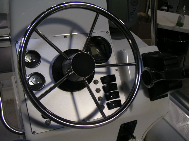 Click image for larger version  Name:Steering wheel.jpg Views:134 Size:99.2 KB ID:17453