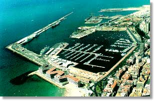 Click image for larger version  Name:alicante harbour.jpg Views:105 Size:17.3 KB ID:18467