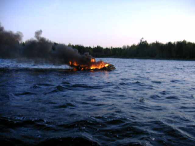 Click image for larger version  Name:Boat on Fire .jpg Views:176 Size:112.5 KB ID:18716