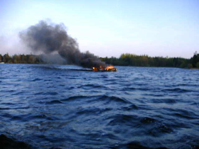 Click image for larger version  Name:Boat on fire 1.jpg Views:163 Size:112.5 KB ID:18717