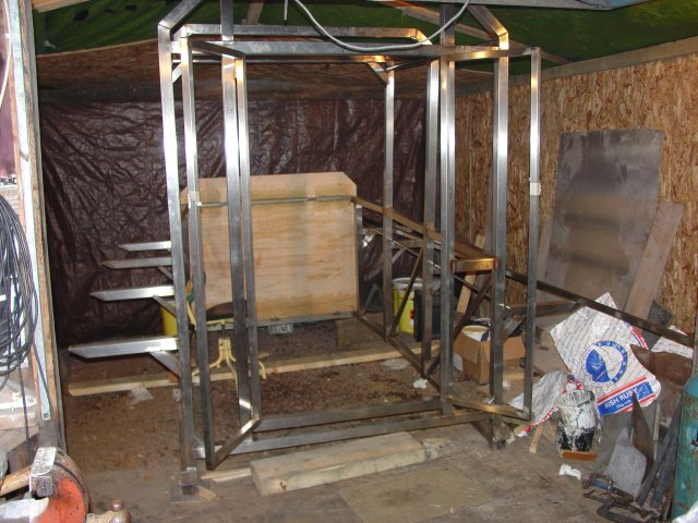 Click image for larger version  Name:20_almost complete cabin frame 2_640.jpg Views:142 Size:75.8 KB ID:19374