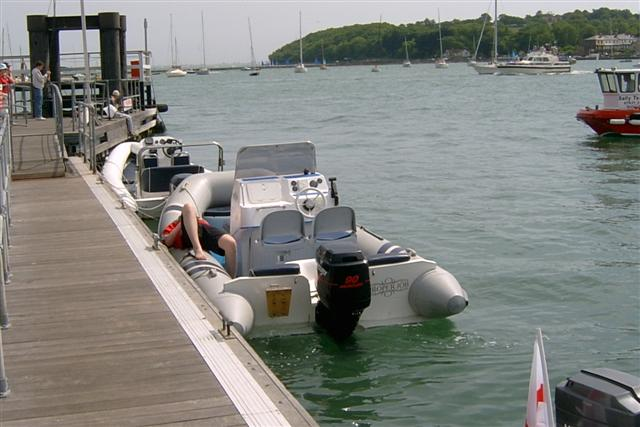 Click image for larger version  Name:dan in cowes (Small).jpg Views:255 Size:45.5 KB ID:20191