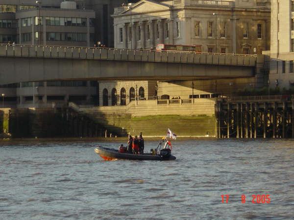Click image for larger version  Name:london bridge (Custom).jpg Views:113 Size:42.4 KB ID:20264