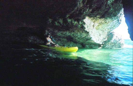 Click image for larger version  Name:kayak3.jpg Views:136 Size:22.4 KB ID:21093