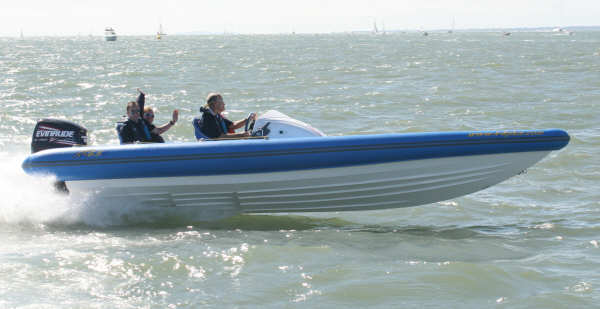 Click image for larger version  Name:cowes 1.jpg Views:446 Size:24.0 KB ID:21915