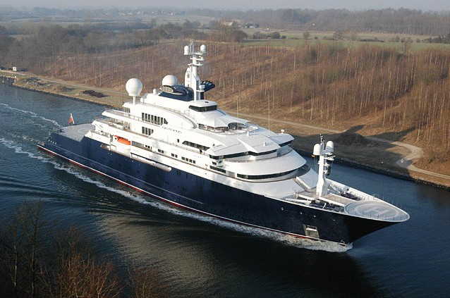 Click image for larger version  Name:Stoos new boat.jpg Views:128 Size:87.2 KB ID:23294