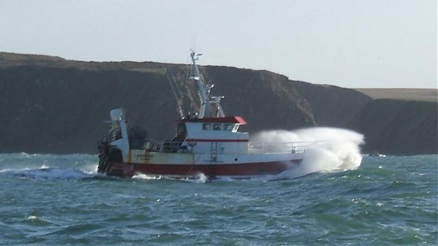 Click image for larger version  Name:french_trawler_14-01-07.jpg Views:175 Size:24.4 KB ID:24275