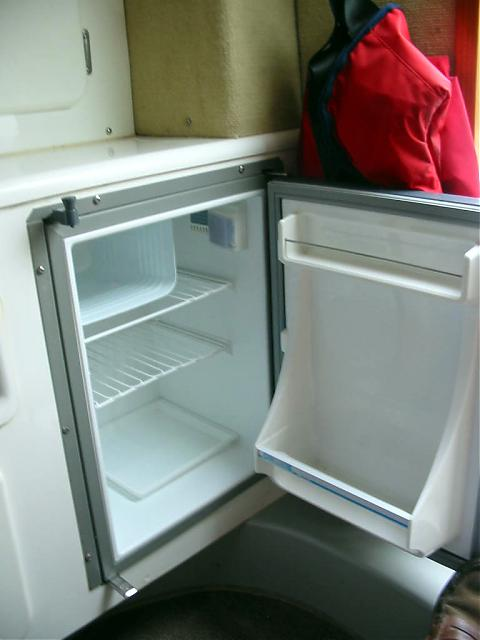 Click image for larger version  Name:fridge.jpg Views:135 Size:29.9 KB ID:24310
