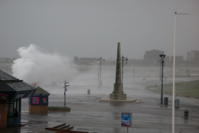 Click image for larger version  Name:southsea-storm.jpg Views:143 Size:91.4 KB ID:24347