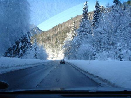 Click image for larger version  Name:snow 2.JPG Views:98 Size:27.5 KB ID:24715