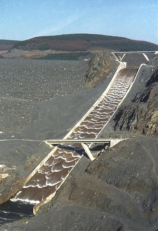Click image for larger version  Name:Llyn_Brianne_spillway.jpg Views:138 Size:96.8 KB ID:25052