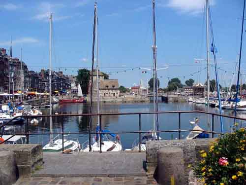 Click image for larger version  Name:honfleur harbour.jpg Views:173 Size:25.4 KB ID:2574