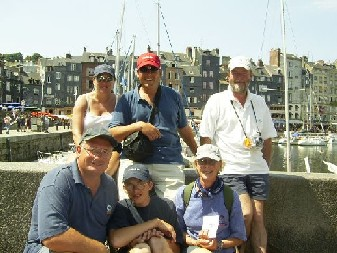 Click image for larger version  Name:hot hats - deauville 2003 048.jpg Views:211 Size:38.1 KB ID:2580
