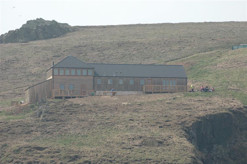 Click image for larger version  Name:Skomer visitor centre.JPG Views:116 Size:76.5 KB ID:26159