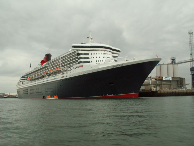 Click image for larger version  Name:qm2little.jpg Views:126 Size:92.3 KB ID:28892