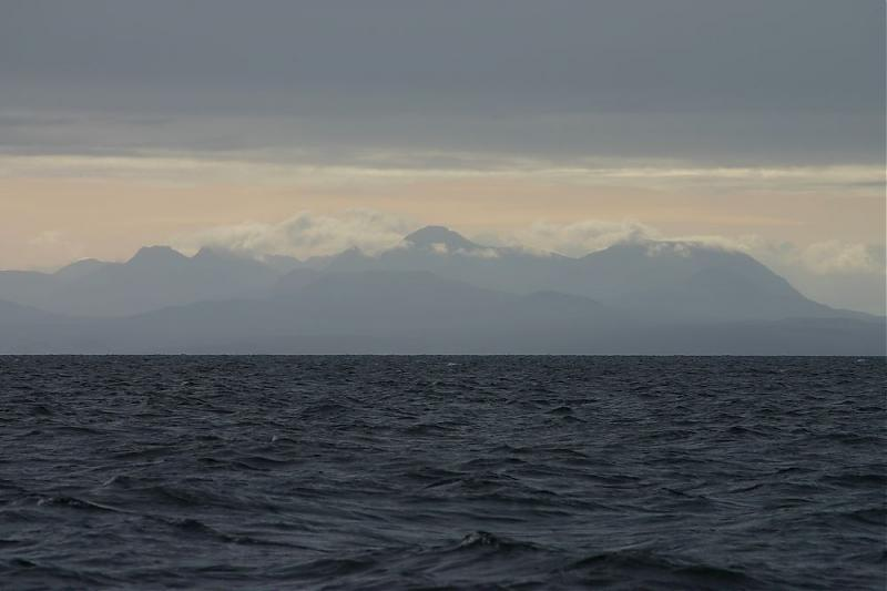 Click image for larger version  Name:1Scot Highlands looking East.jpg Views:98 Size:36.4 KB ID:29824